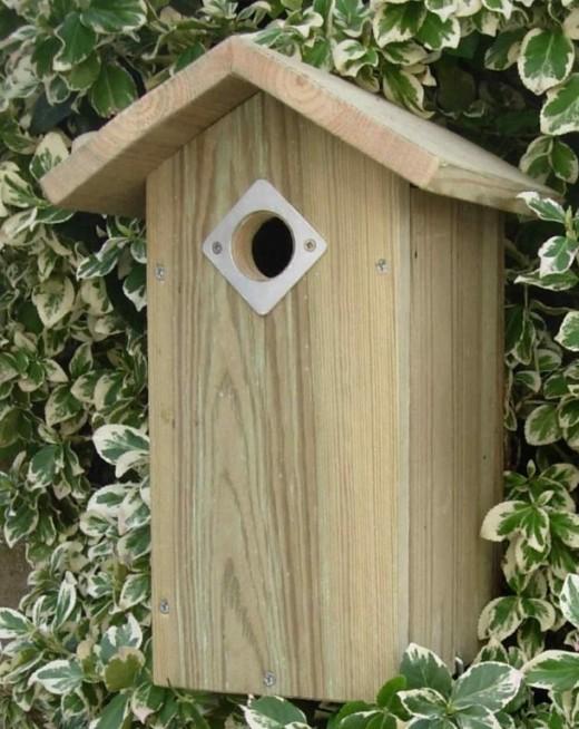 nestkastje houten puntdak stichting roma