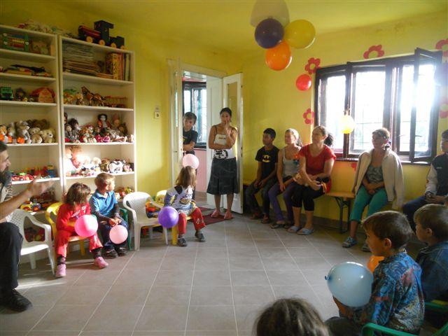 Opening van de kleuterschool in Glodeni, Roemenië